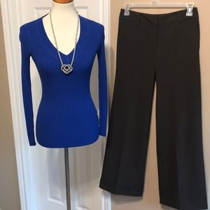 2 pc outfit stretch pants & sweater top size 6 💙